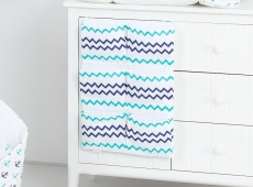 Mamo Tato Vreckár 40 x 65 cm - Zigzag tm. modrý/zelený