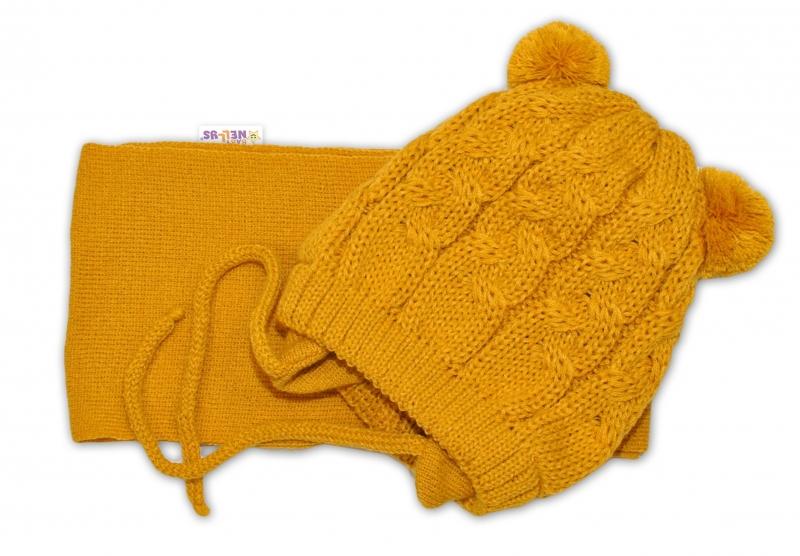 BABY NELLYS Zimná pletená čiapočka s šálom TEDDY - horčicová s brmbolcami, vel. 2-8m
