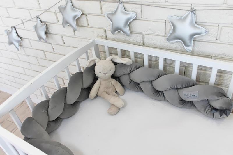 Mantinel Baby Nellys pletený vrkoč velvet - tmavo šedý