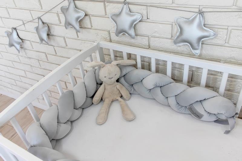 Mantinel Baby Nellys pletený vrkoč velvet - svetle šedý