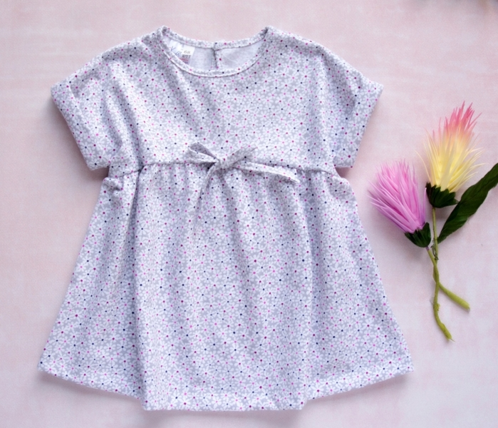K-Baby Letné štýlové detské šatôčky Kvetinky - sivá s mini kvetinkami, veľ. 74