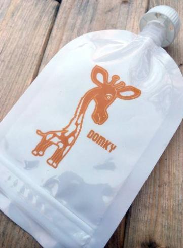 Domčeky Klasická plnitelná kapsička - žirafa