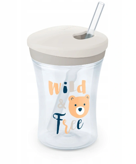 Niekapajůci hrnček NUK Action Cup zo slámkou,  230 ml - Wild Free