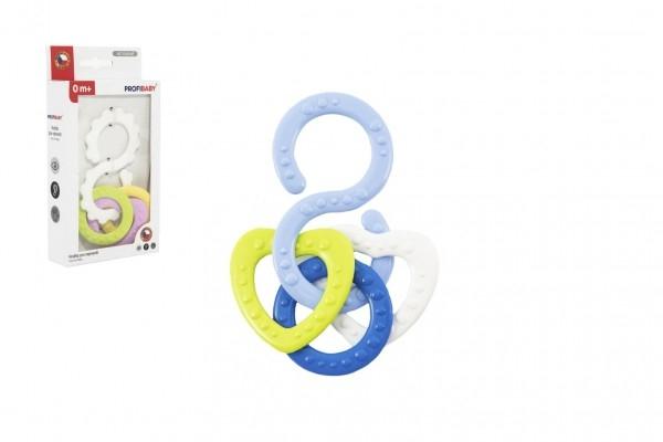 Hryzátko osmička s prívesky plast mix farieb v krabičke 10x18,5x3cm 0m +