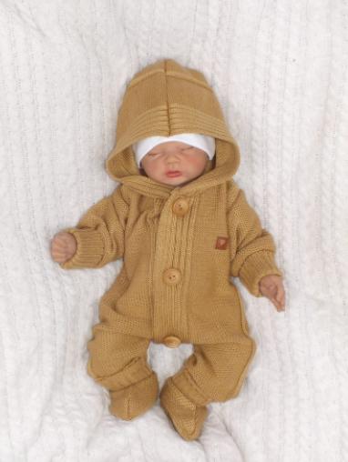 Detský pletený overal s kapucňou + topánočky, medový, vel. 74