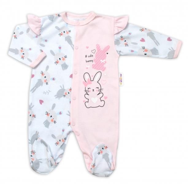Baby Nellys Bavlnený dojčenský overal s volánkmi Cute Bunny - ružový