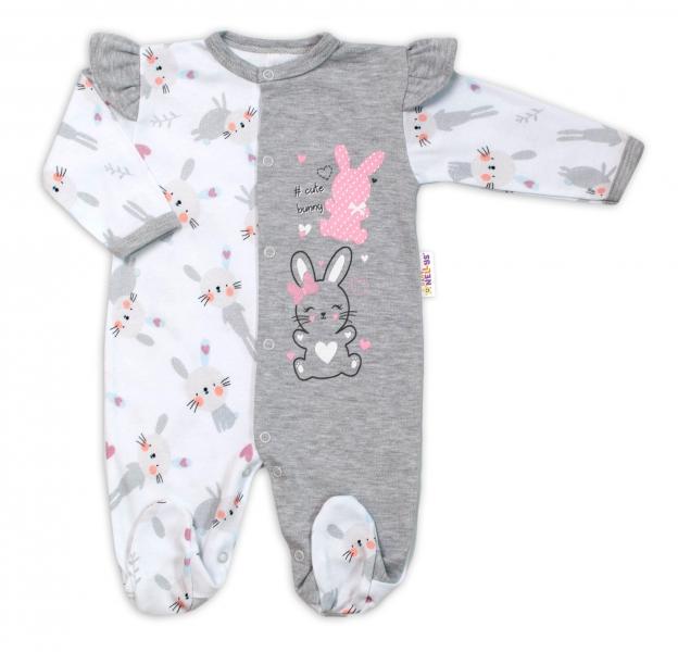 Baby Nellys Bavlnený dojčenský overal  s volánkmi Cute Bunny - sivý, veľ. 62