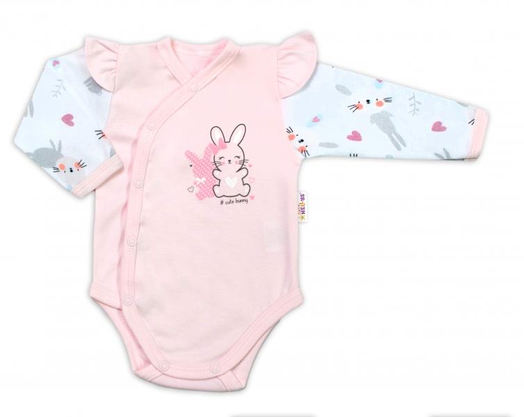 Baby Nellys Dojčenské body, dl. rukáv, zap.bokem s volánikmi Cute Bunny, ružové-#Velikost koj. oblečení;56 (1-2m)