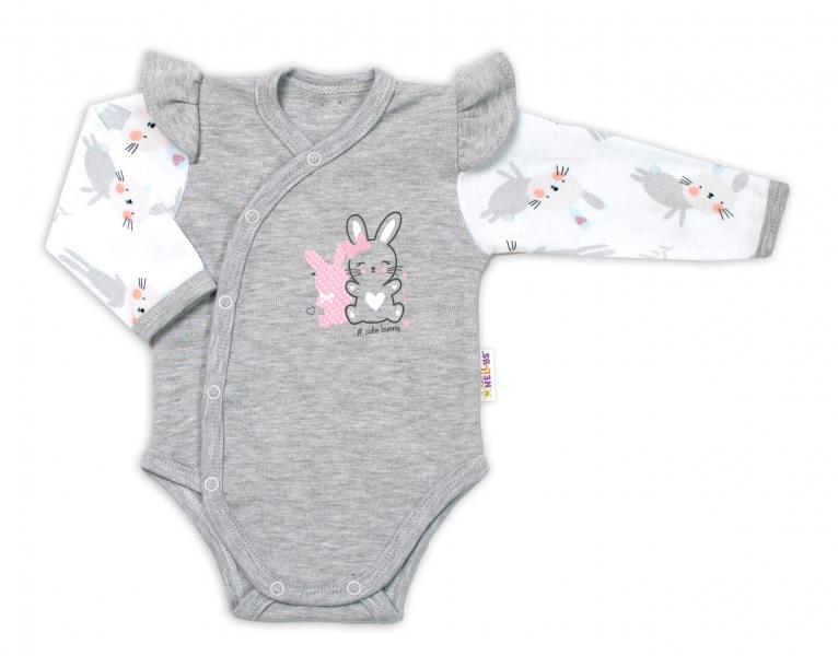 Baby Nellys Dojčenské body, dl. rukáv, zap.bokem s volánikmi Cute Bunny, sivé-#Velikost koj. oblečení;56 (1-2m)