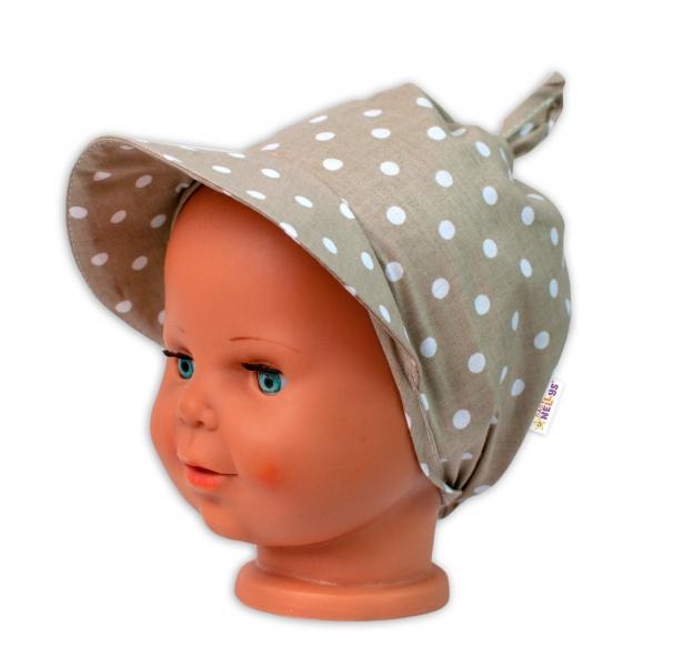 Baby Nellys Šatka na zaväzovanie so šiltom - Bodky, béžový-#Velikost koj. oblečení;univerzální