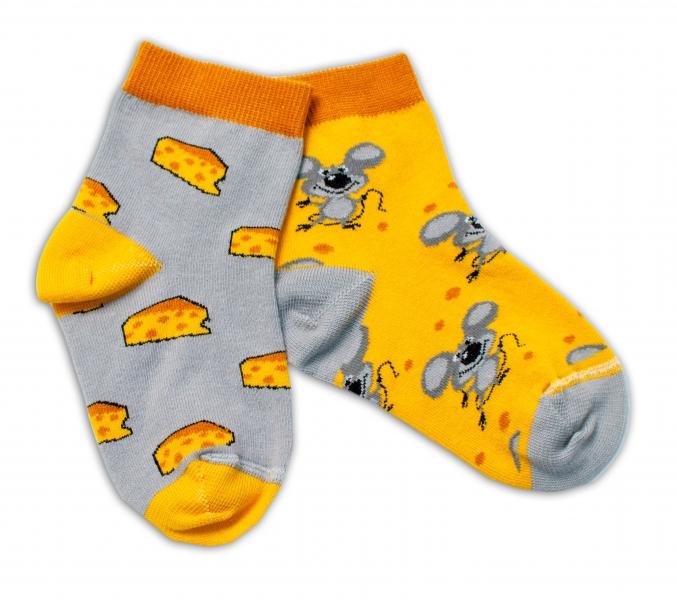 Baby Nellys Bavlnené veselé ponožky Myška a syr - žltá / sivá, veľ. 17-18 cm