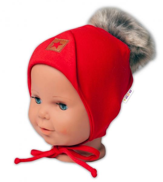 Baby Nellys Bavlnená dvojvrstvová čiapka s brmbolcom na zaväz. Star - červená, vel. 68/80