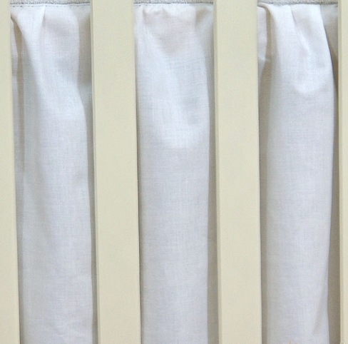 Krásny volánik pod matrac - Srdiečko biele, 120x60
