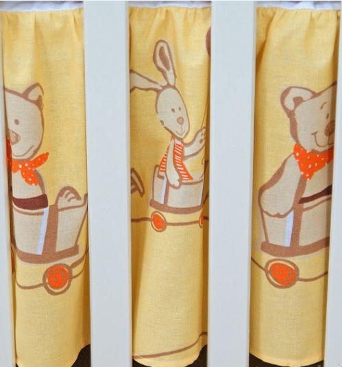 Krásny volánik pod matrac - Kamaráti v pomaranči