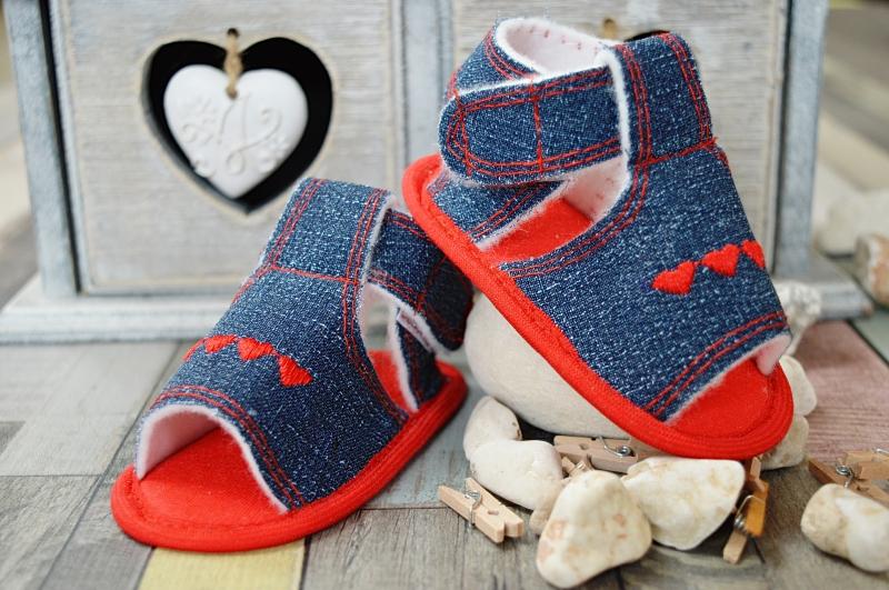 Jeansové capáčky /sandálky - jeans/červená-10cm vel. botky