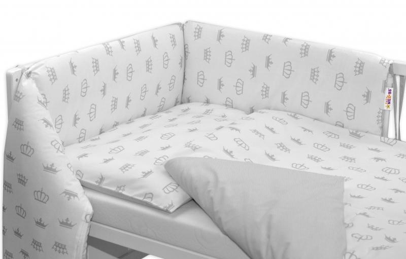 Oboustranný mantinel s obliečkami - sivé koruny/prúžky 135x100
