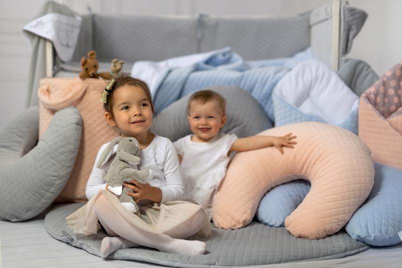 Dojčiaci vankúš - Velvet lux Miminu, prešívaný - modrý