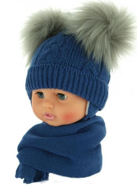 BABY NELLYS Zimná čiapočka s šálom - chlupáčkové bambuľky - tm. modrá