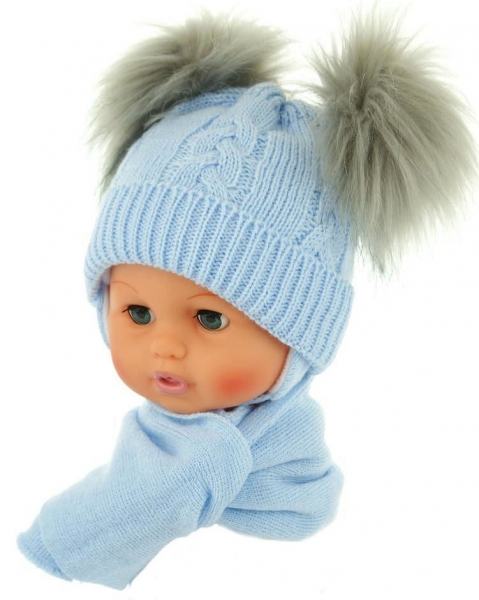 BABY NELLYS Zimná čiapočka s šálom - chlupáčkové bambuľky - sv. modrá-0/4měsíců